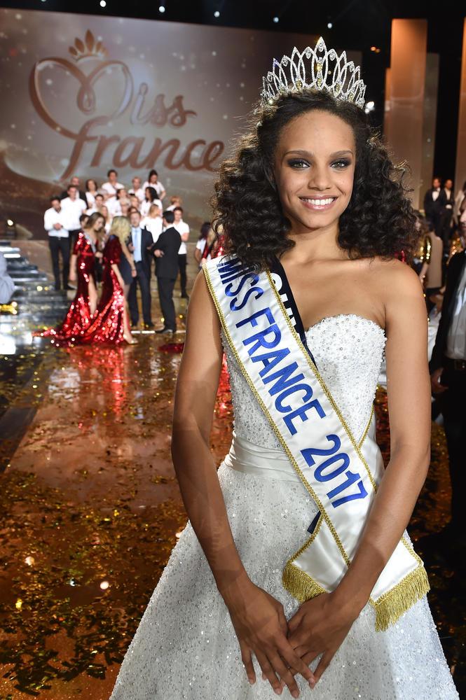 Miss Guyane, Alicia Aylies élue Miss France 2017 lors de la cérémonie d'élection à l'Arena de Montpellier.