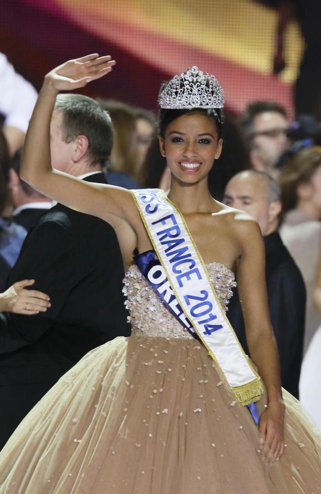 Miss Guyane, Flora Coquerel élue Miss France 2014 lors de la cérémonie d'élection au Zénith de Dijon.