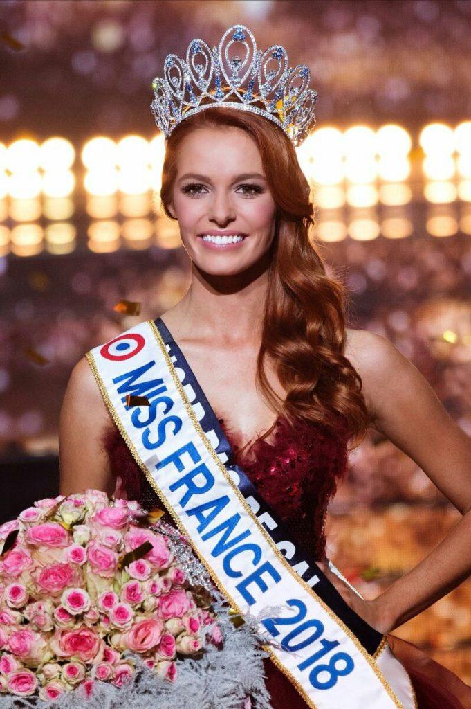 Miss Nord-Pas-de-Calais, Maeva Coucke élue Miss France 2018 lors de la cérémonie d'élection au Match36 de Châteauroux.