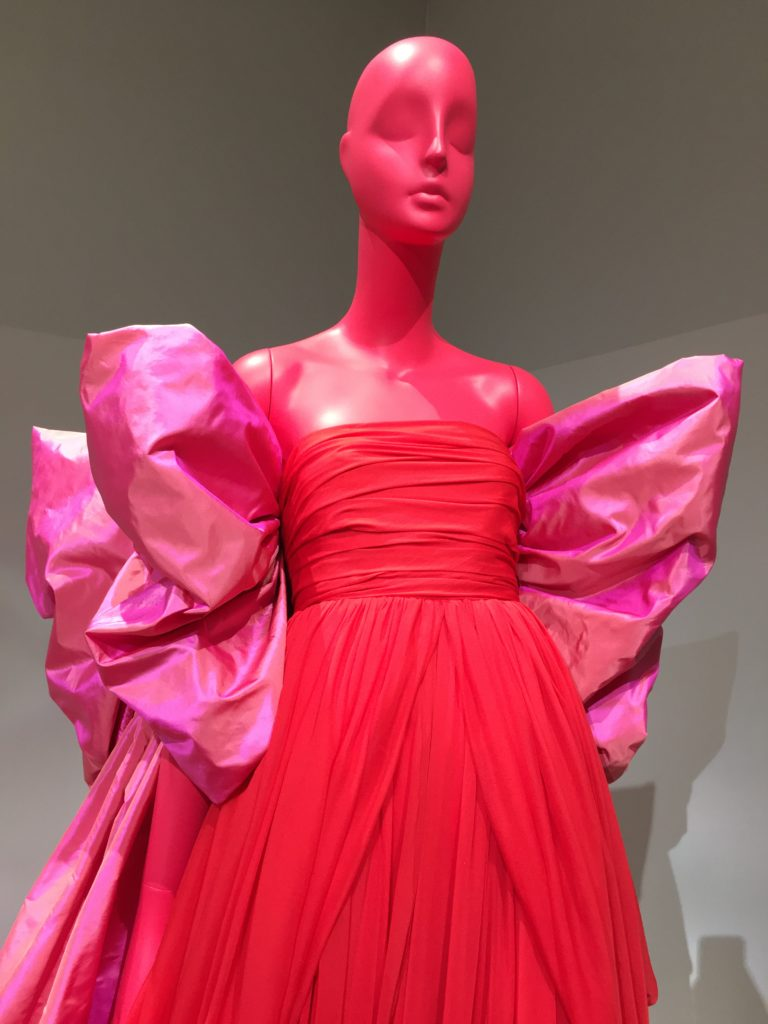 "Giambattista Valli : ""L'Exhibition"" Haute Couture N°18  au Jeu de Paume à Paris"