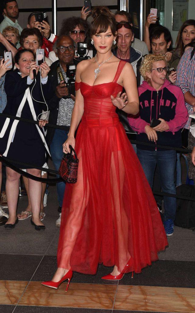 Bella Hadid lors du diner Dior pour le 71ème Festival International du Film de Cannes le 12 mai 2018.
