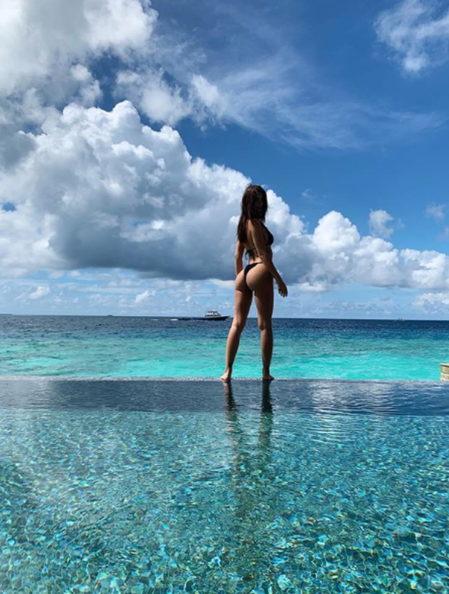 Emily Ratajkowski aux Maldives