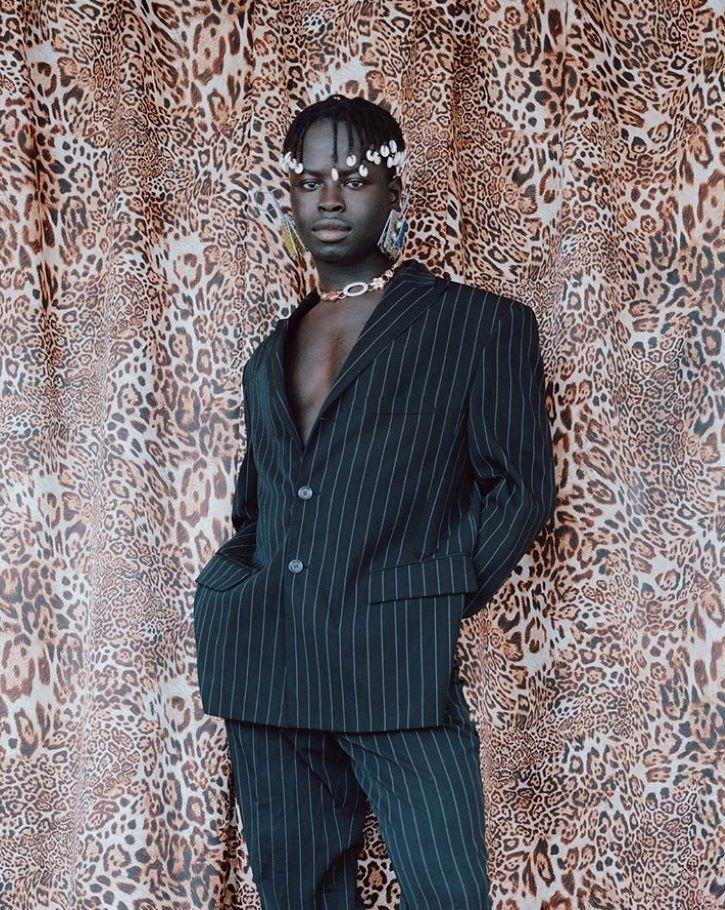 Ibrahim Kamara, rédacteur en chef mode d'i-D magazine et styliste.