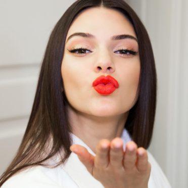 À quoi ressemblait Kendall Jenner avant la chirurgie esthétique