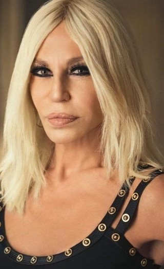 Donatella Versace aujourd'hui, après la chirurgie esthétique
