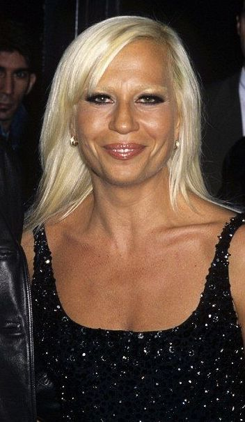 Donatella Versace jeune