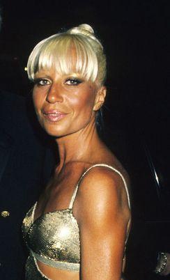 Donatella Versace lorsqu'elle était plus jeune