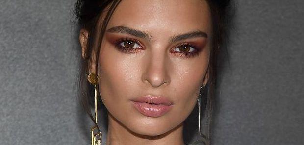 Chirurgie pour modifier la forme des yeux. Le regard est étiré, en forme d'amande et donne un effet foxy eyes / cat eyes.