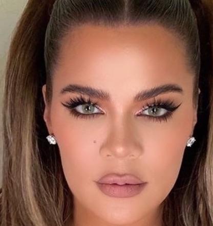 Regard Khloé Kardashian après lifting