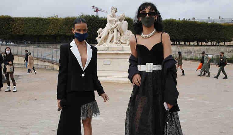 Public masqué Fashion Week Paris ss21