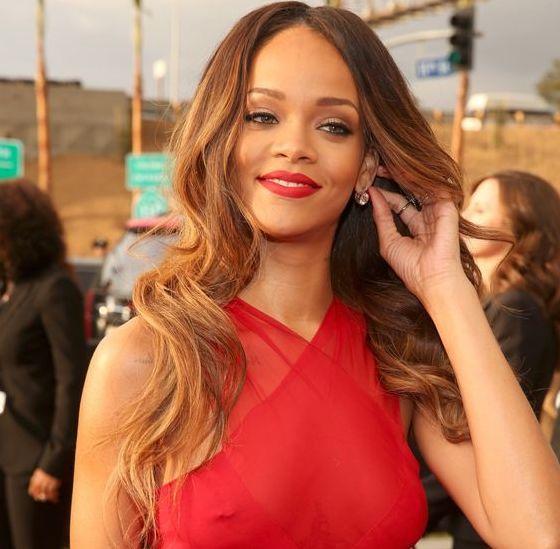 Piercing téton Rihanna