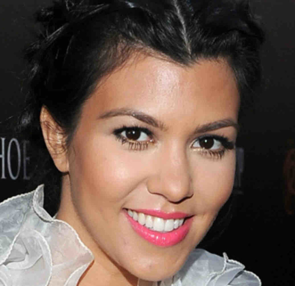 Lèvres Kourtney Kardashian avant injections