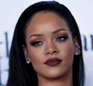 Rihanna nez après chirurgie